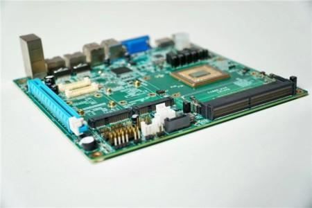 """国内电商上架8核兆芯""""板U""""套装:标准ITX小板,4300元"""